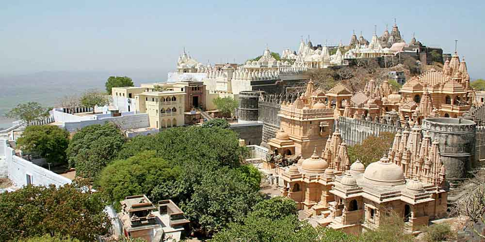 shatrunjay palitana Shree shatrunjay tirth shree  old and historic town of vallabhipur is situated at a distance of some 21 kms from dhola junction and about 50 kms from palitana.